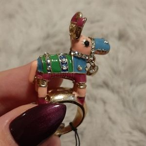 NWT Betsey Johnson Donkey Ring